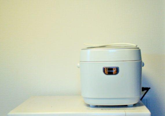 シンプルな炊飯器